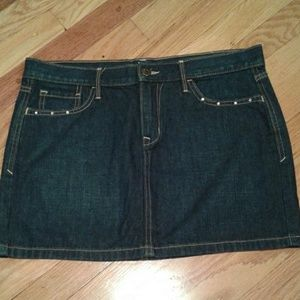 Old Navy blue jean skirt w/ rhinestone size 8